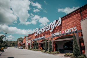 Dierbergs market storefront in the day time